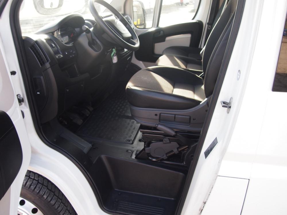 minibus-24