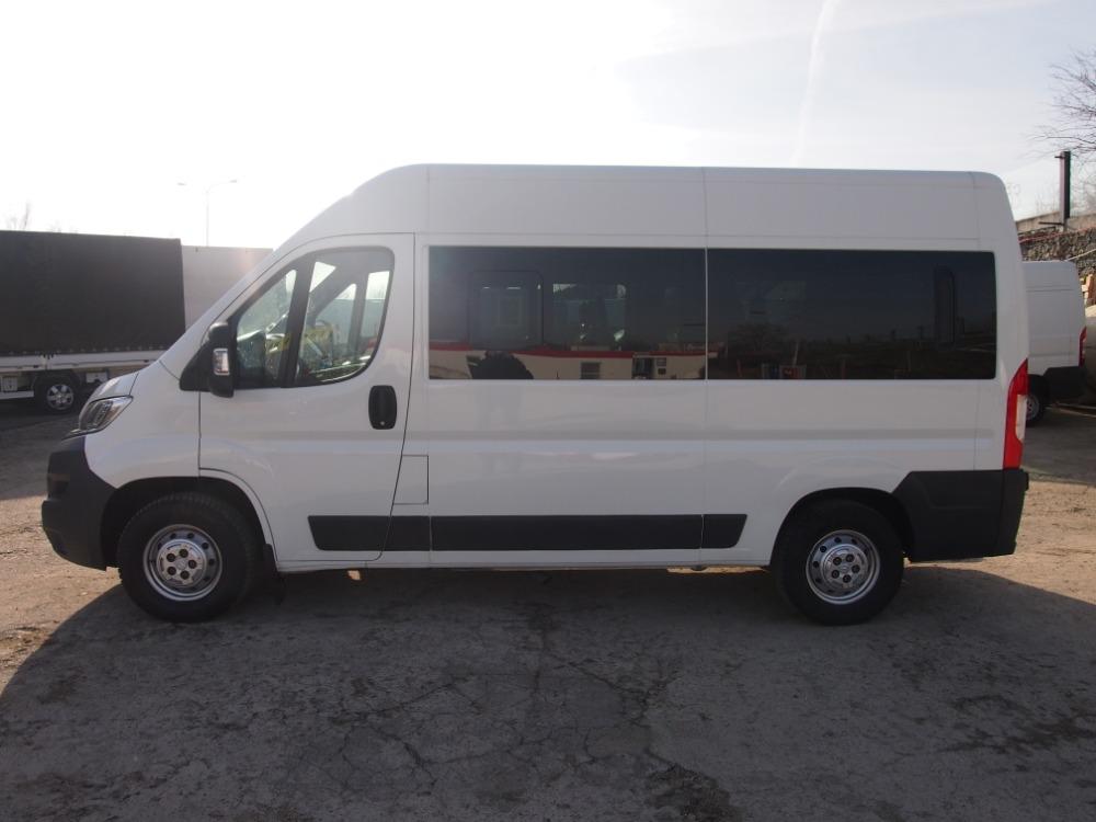 minibus-8