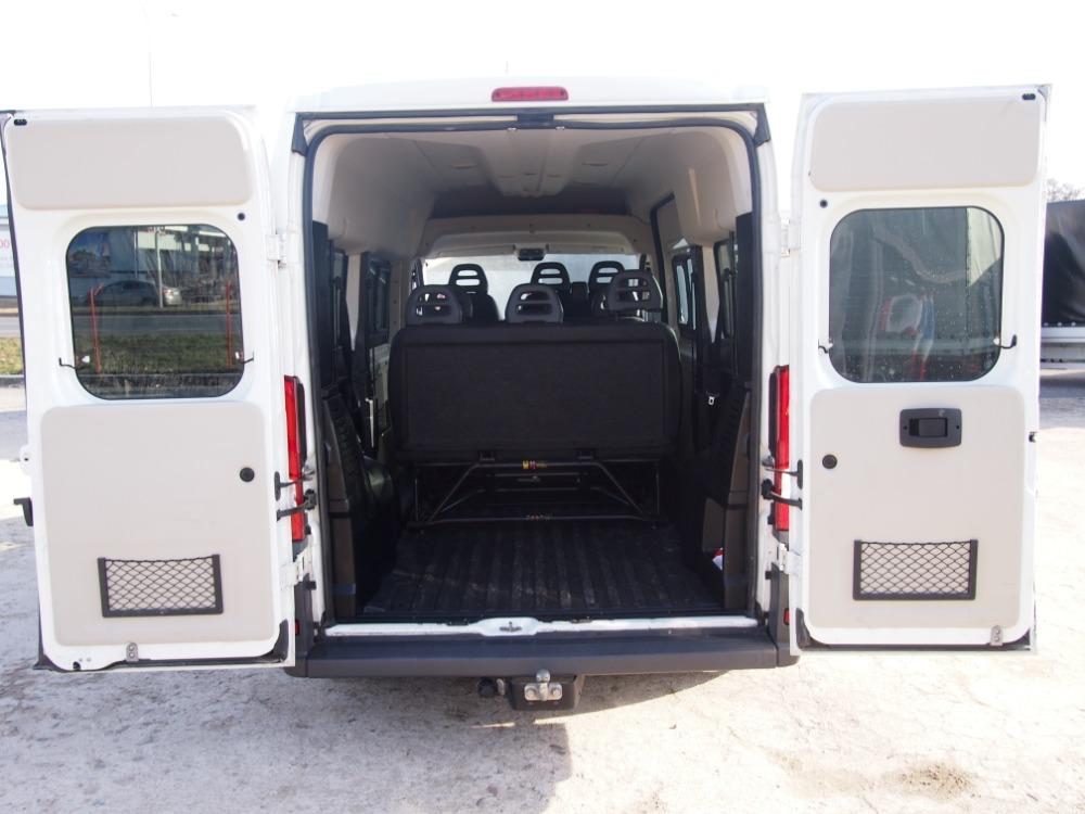 minibus-9
